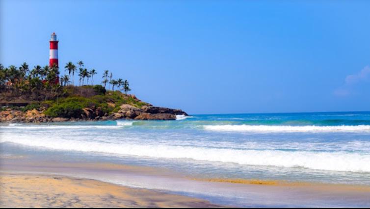 Munnar- Kumarakom-Kovalam Tour Package